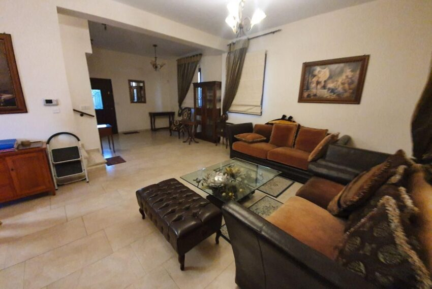 House for rent with private pool in Emba village_13