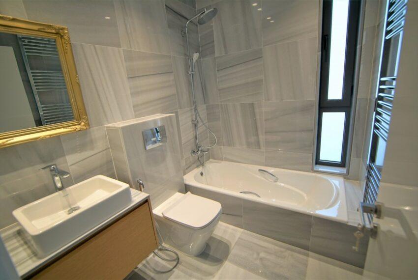 Modern 4 bedroom 4 bathroom villa for rent Chloraka_16