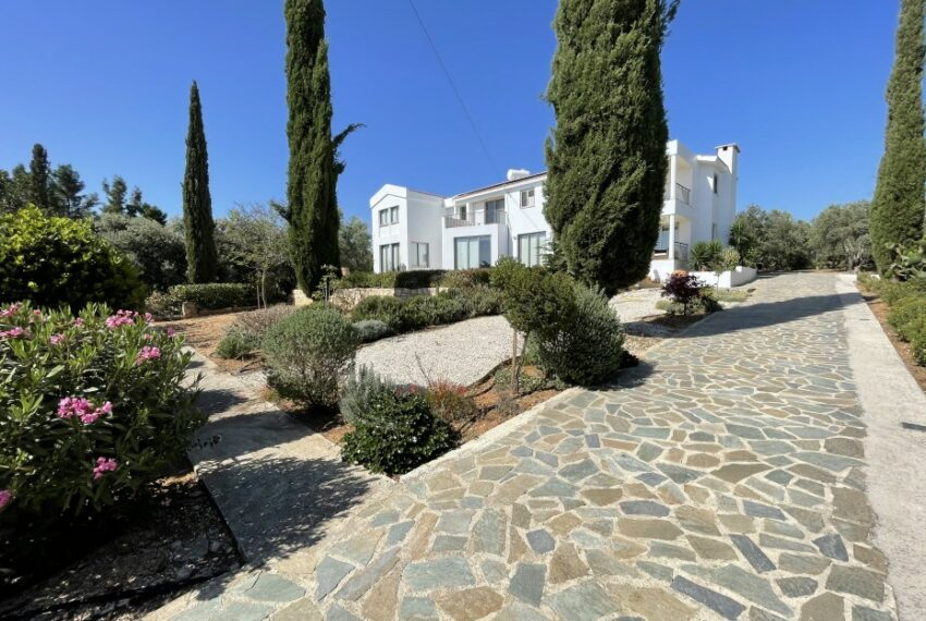 For rent villa with private swimming pool in lower Tala _4