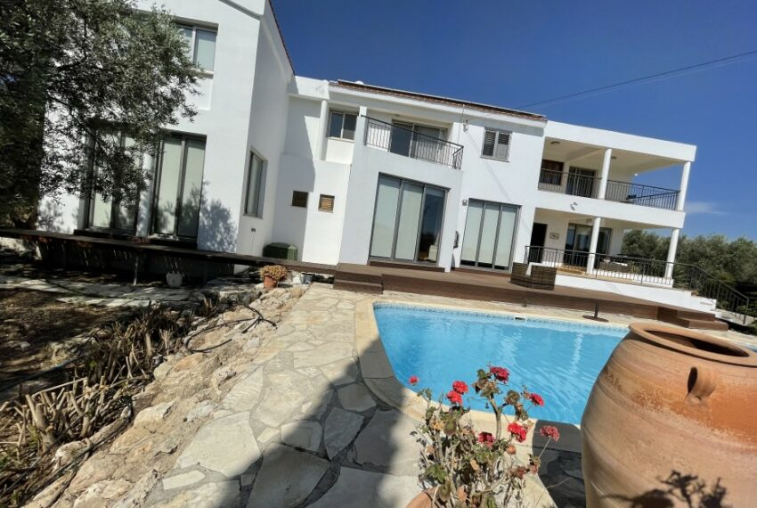 For rent villa with private swimming pool in lower Tala _5