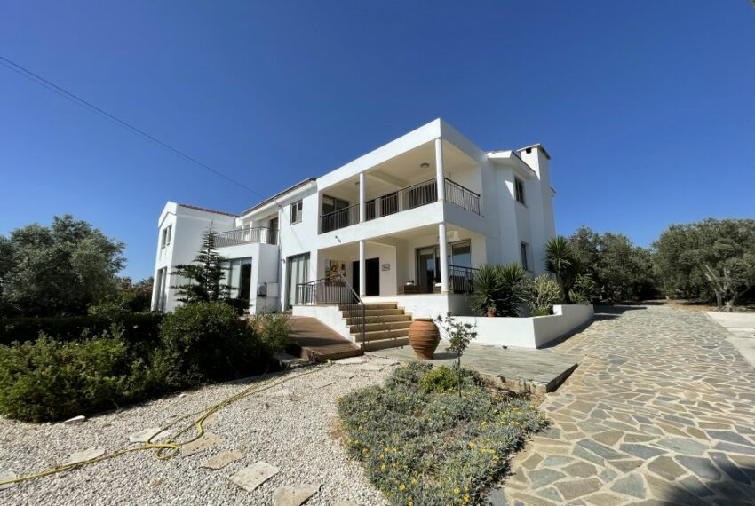 For rent villa with private swimming pool in lower Tala _6