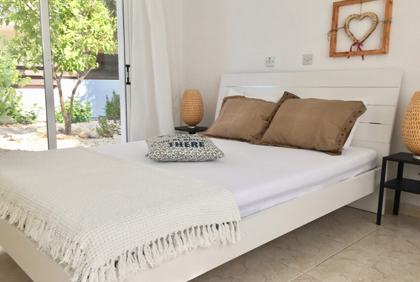 Detached 3 bedroom villa for sale with private pool in Peyia_7
