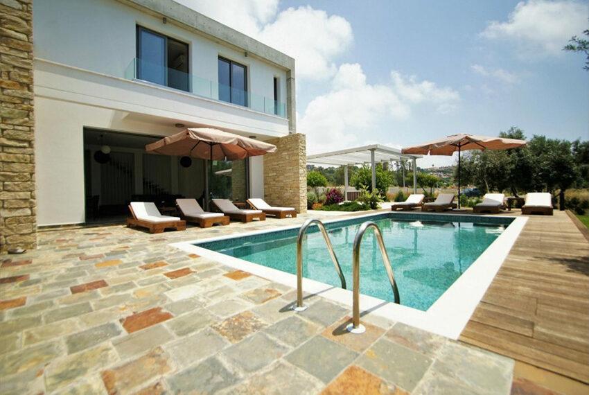 Luxury 4 bedroom villa for rent long term Chloraka_10