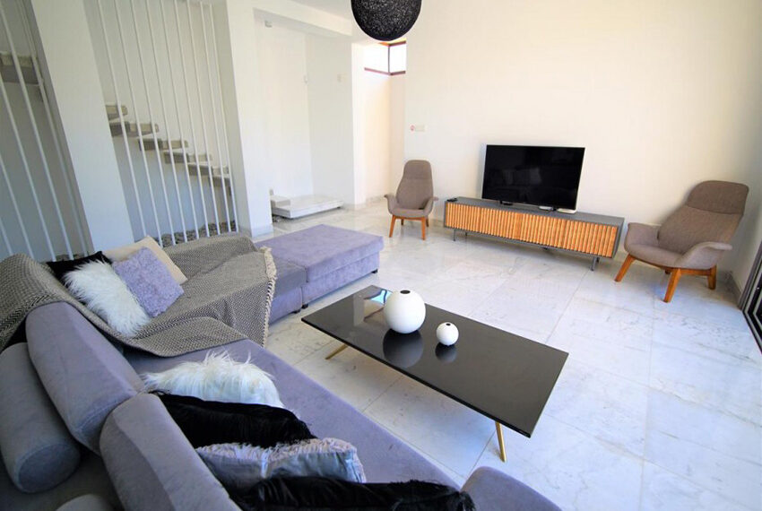 Luxury 4 bedroom villa for rent long term Chloraka_15