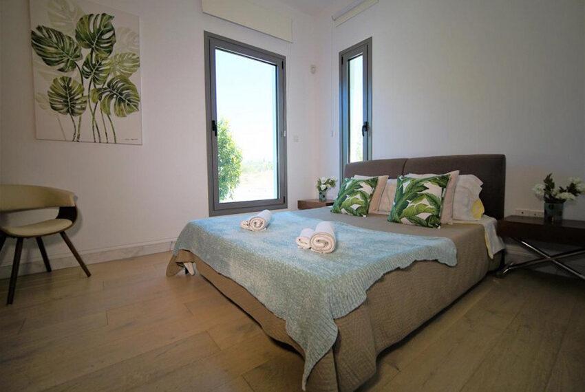 Luxury 4 bedroom villa for rent long term Chloraka_17