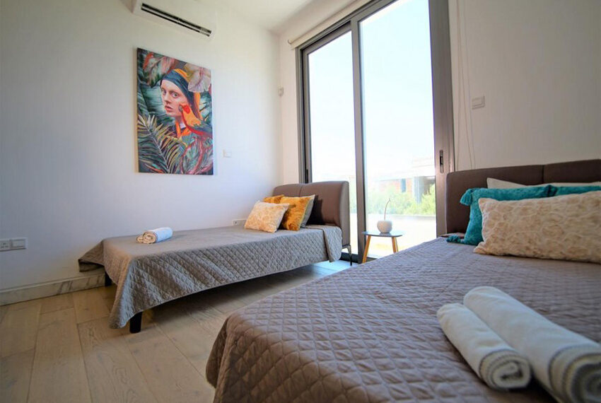 Luxury 4 bedroom villa for rent long term Chloraka_19