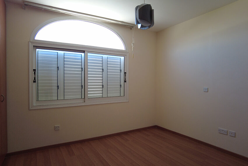 4 bedroom house for rent in Paphos near Technical school