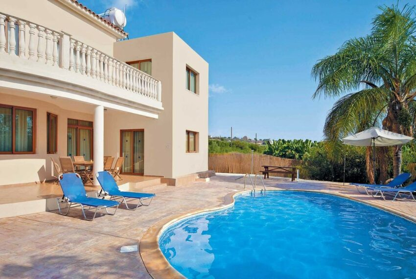 For rent 4 bedroom villa with private pool Coral bay Peyia_3
