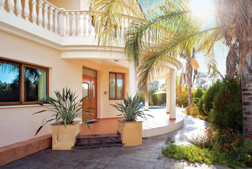 For rent 4 bedroom villa with private pool Coral bay Peyia_5