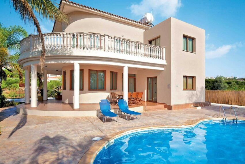 For rent 4 bedroom villa with private pool Coral bay Peyia_10