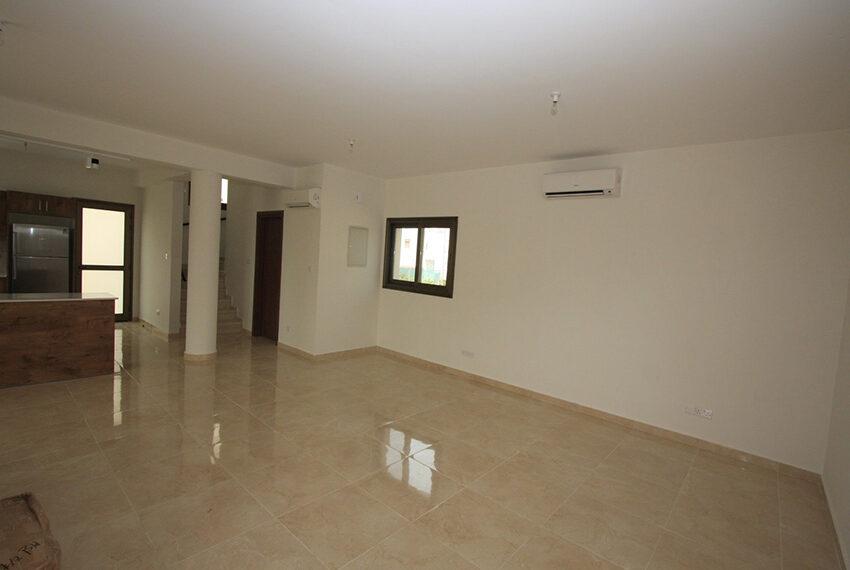 For rent brand new unfurnished 3 bedroom villa in Chloraka_4