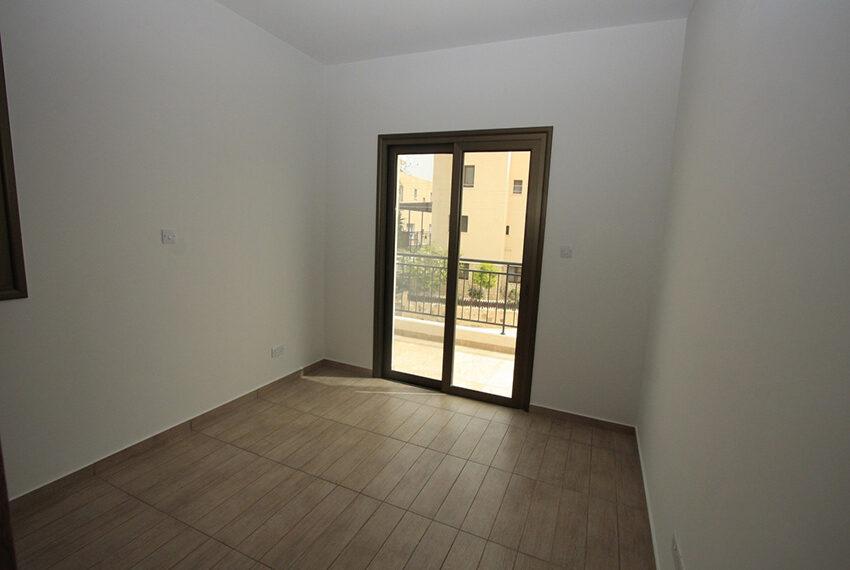 For rent brand new unfurnished 3 bedroom villa in Chloraka_10
