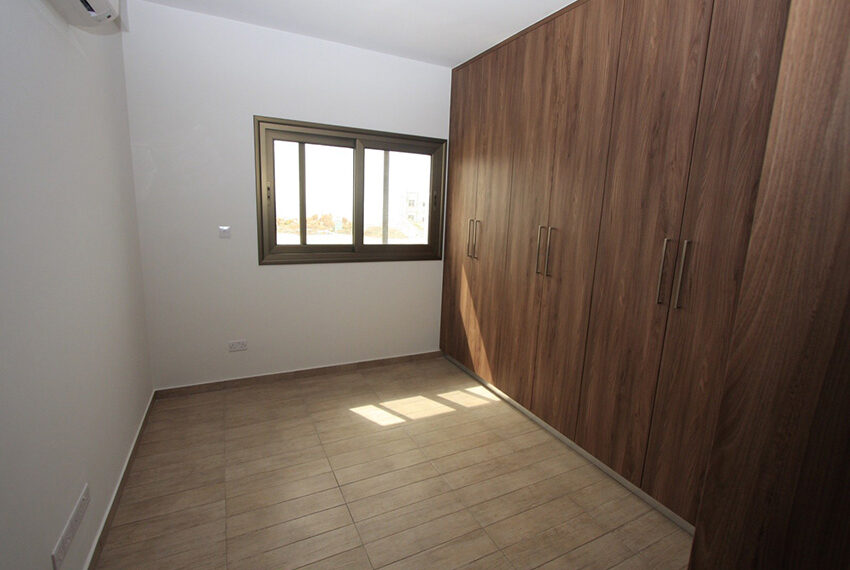 For rent brand new unfurnished 3 bedroom villa in Chloraka_15