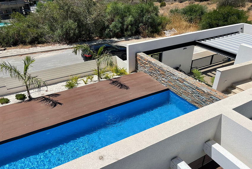 Luxury 3 bedroom villa for rent long term in Mouttagiaka Limassol_1