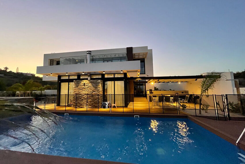 Luxury 3 bedroom villa for rent long term in Mouttagiaka Limassol_8