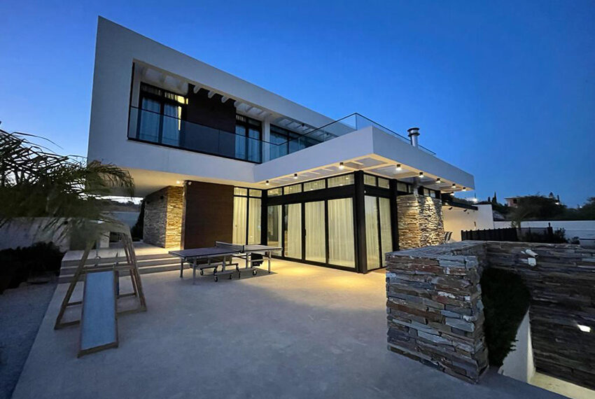 Luxury 3 bedroom villa for rent long term in Mouttagiaka Limassol_10
