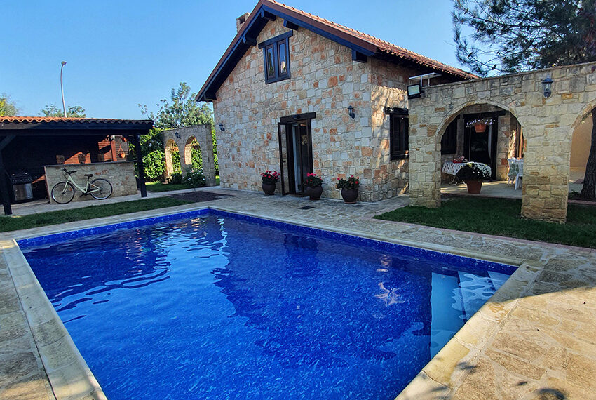 5 bedroom house for sale with private pool Souni - Limassol_1