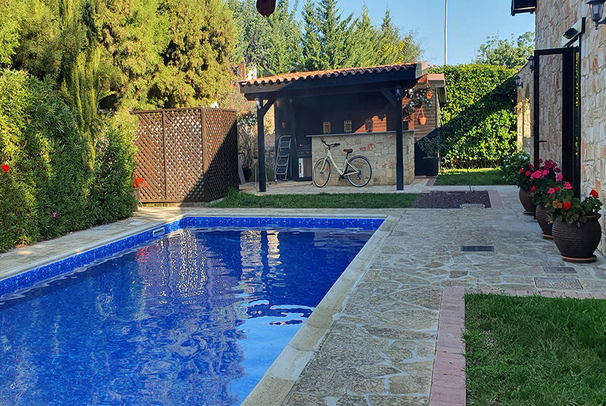 5 bedroom house for sale with private pool Souni - Limassol_2