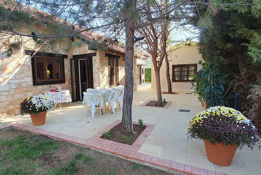 5 bedroom house for sale with private pool Souni - Limassol_3
