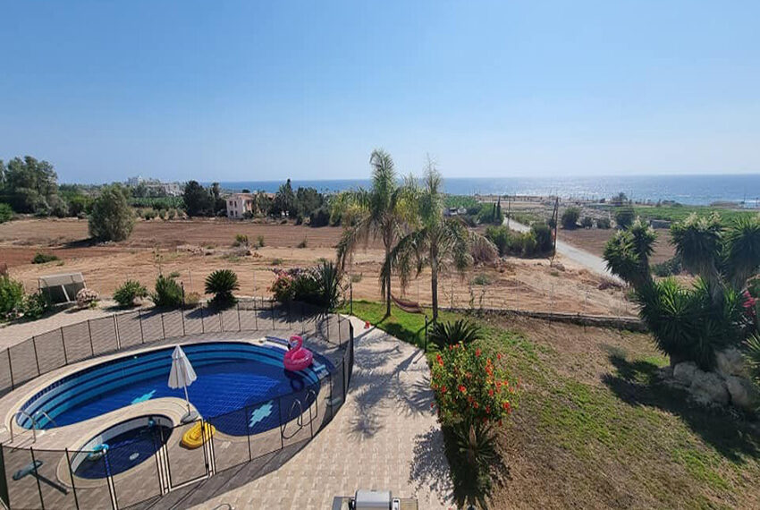 For rent 4 bed villa with private pool in Kissonerga Paphos_4