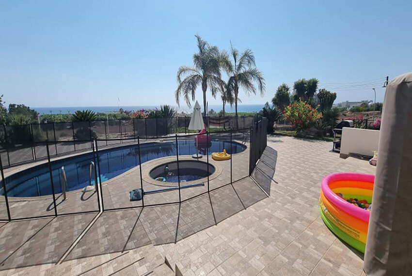 For rent 4 bed villa with private pool in Kissonerga Paphos_6