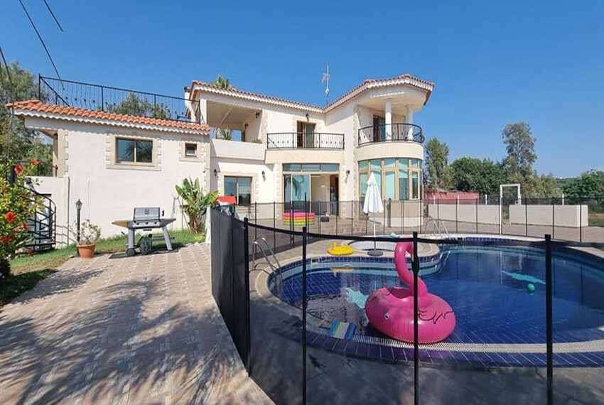 For rent 4 bed villa with private pool in Kissonerga Paphos_9