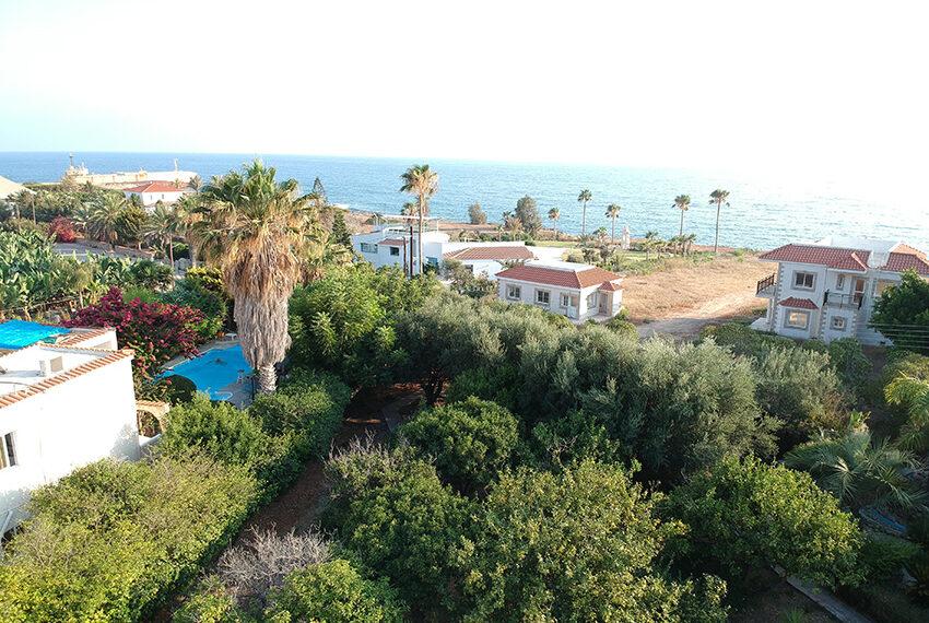 Villa for sale sea caves large plot near beach