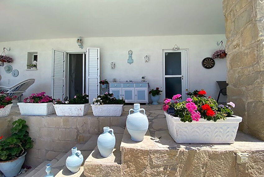 Villa for sale with panoramic sea views Tala Paphos_2