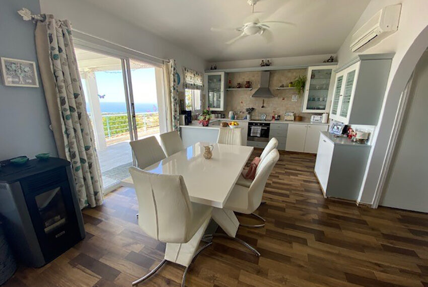 Villa for sale with panoramic sea views Tala Paphos_11