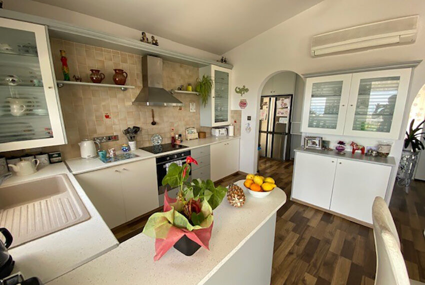 Villa for sale with panoramic sea views Tala Paphos_12