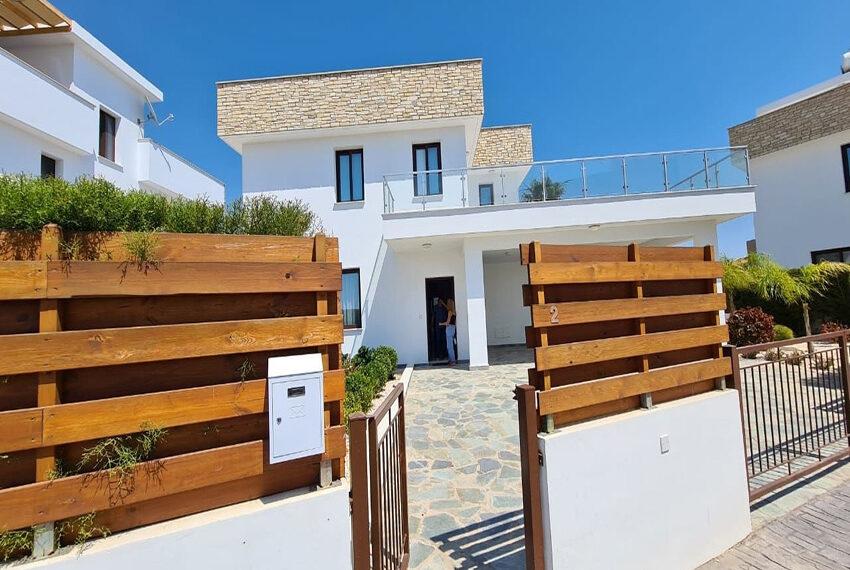 Modern 4 bedroom villa for rent long term in Sea Cavs area_4