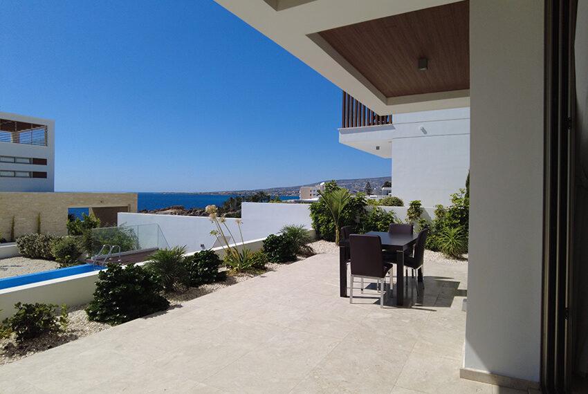 Luxury villa with private pool for rent near beach Kissonerga