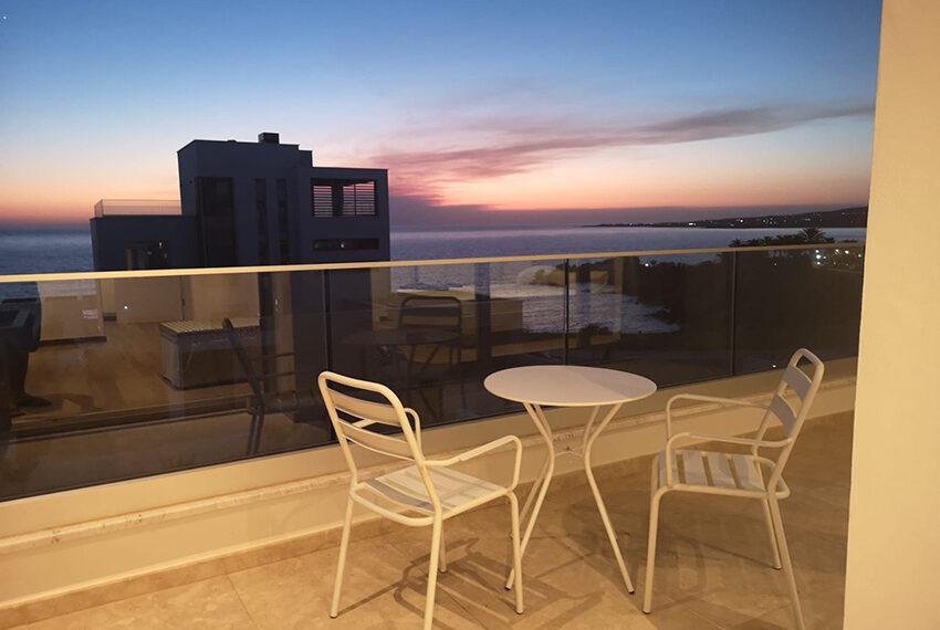 Luxury villa with private pool for rent near beach Kissonerga_40