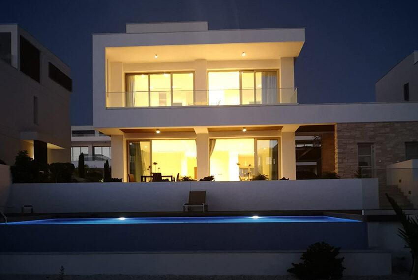 Luxury villa with private pool for rent near beach Kissonerga_43