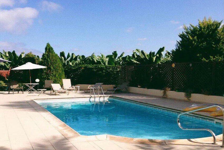 3 bed villa with private pool for rent near TLC school Peyia_1