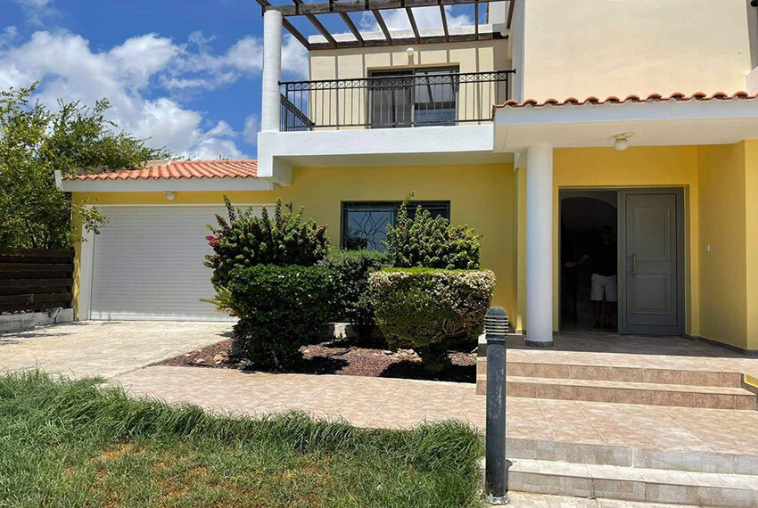 Unfurnished 3 bedroom house for rent in Peyia Cyprus_10