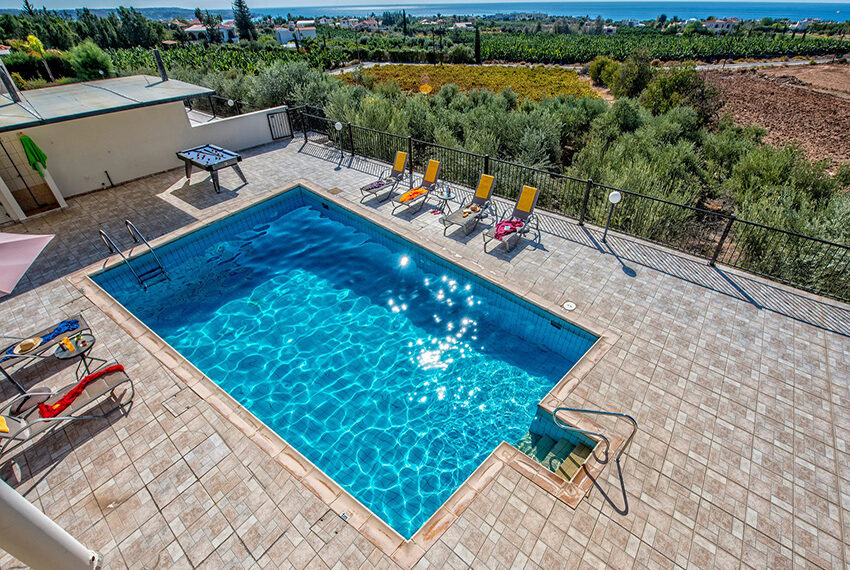 3 bedroom villa with private pool for rent long term Peyia_3