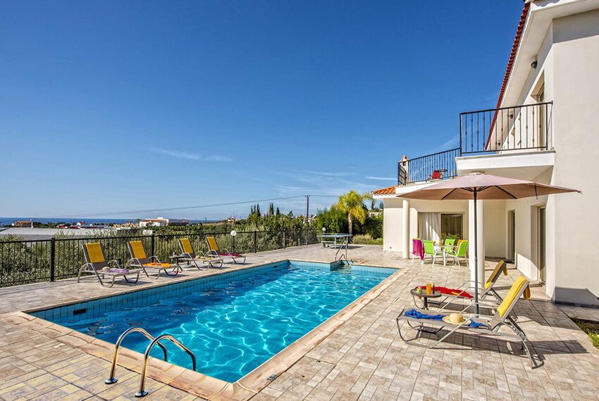 3 bedroom villa with private pool for rent long term Peyia_11