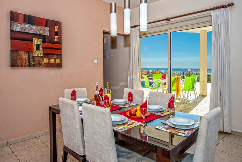 3 bedroom villa with private pool for rent long term Peyia_23