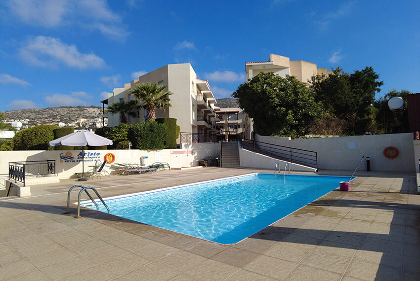 2 bedroom Townhouse for sale with title deeds in Peyia