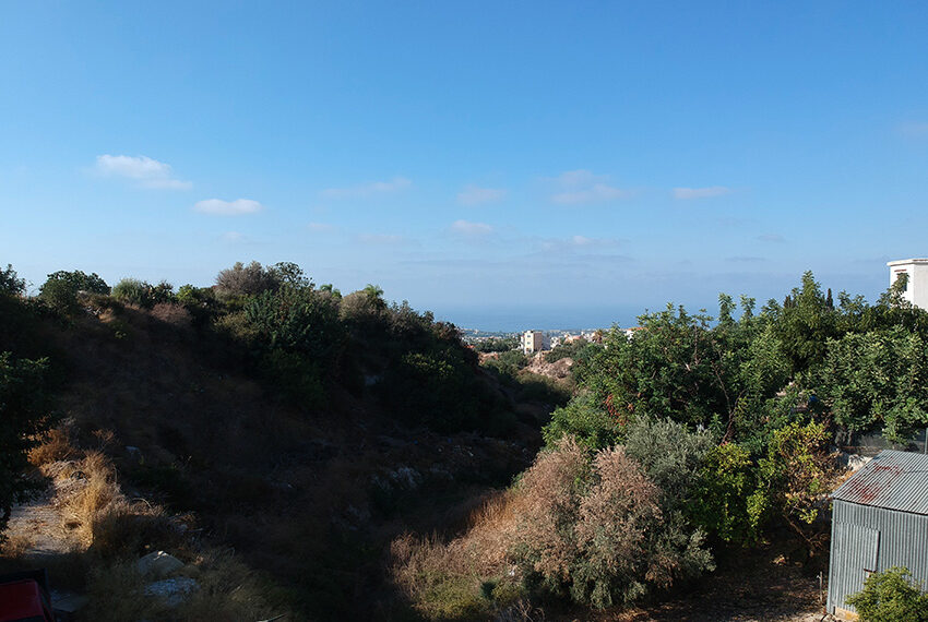 Residential plot of land for sale in upper Peyia