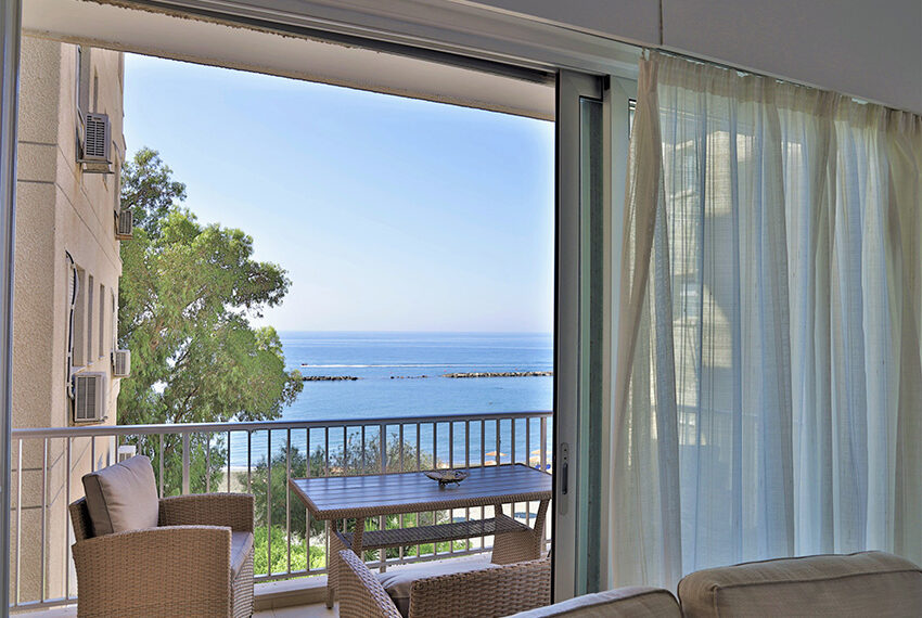 Beach front apartment for sale Agios Tychonas Limassol_9