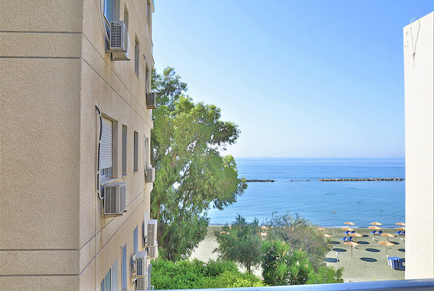 Beach front apartment for sale Agios Tychonas Limassol_10
