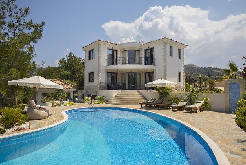 Luxury 4 bedroom villa for sale in Argaka Cyprus